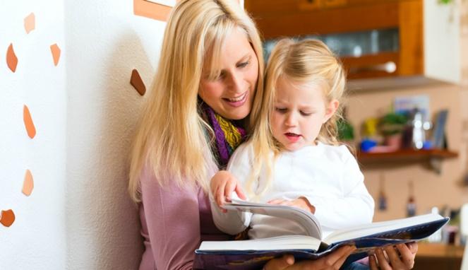4 Cara Terbaik Mengajari Anak Membaca dengan Menyenangkan