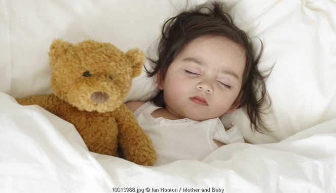 5 Trik Mudah Agar Si Kecil Mau Tidur Siang