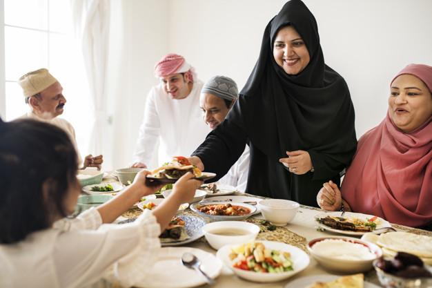 Mau Tetap Sehat Makan Makanan Bersantan Saat Lebaran? Ini Tipsnya!
