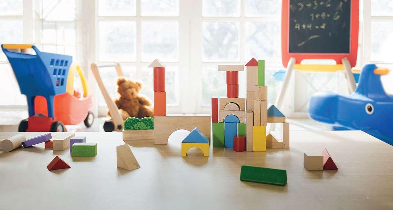3 Cara Mengajarkan Si Kecil Untuk Berbagi Mainan Dengan Temannya. Yuk Praktikkan, Bun!